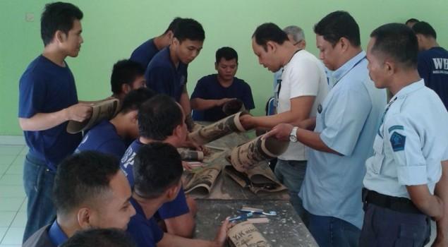 WBP Lapas Sleman Ikuti Pelatihan Membuat Paper Bag