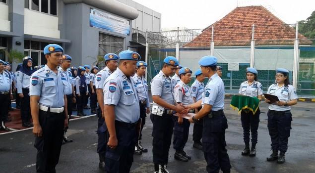 14 Petugas Rutan Klas I Jakarta Pusat Terima Penghargaan P4GN