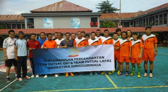 Lapas Narkotika Sungguminasa Lakoni Futsal Persahabatan dengan GKI Makassar