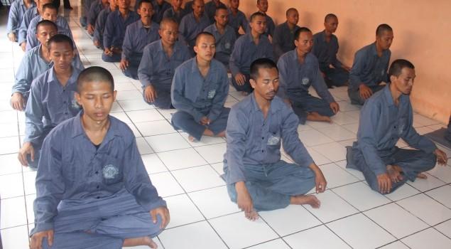 Lapas Cirebon Latih WBP Menjadi Manusia Seutuhnya Melalui Meditasi