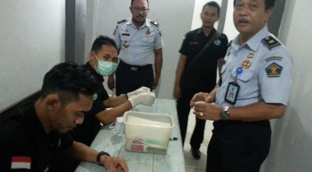 Seluruh Pegawai Lapas Kotabaru Jalani Tes Urine