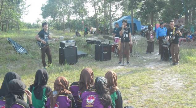 """Jeruji Band"" Rutan Sambas Meriahkan 1st Sambas Forest Scout Camp 2015"