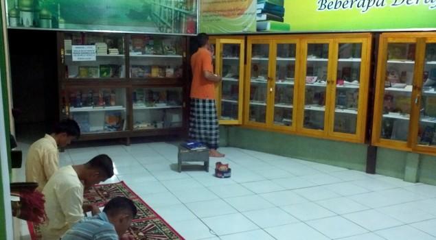 Lapas Gorontalo Fasilitasi Masjid Lapas dengan Perpustakaan