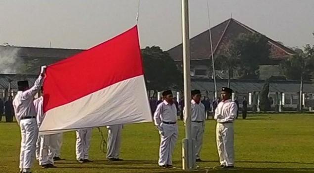 Bomber Bali Umar Patek Latihan Kibarkan Bendera Selama 2 Minggu