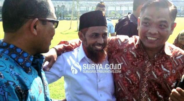 Umar Patek Kibarkan Bendera Merah Putih di Lapas Porong