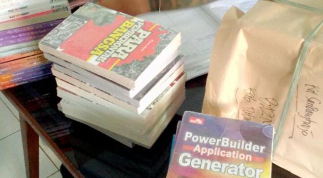 Tingkatkan Kesejahteraan WBP, Lapas Tuban Terima 500 Buku