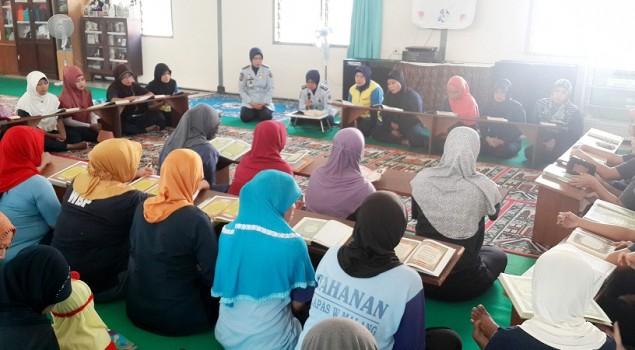 Tadarus Awali Ramadhan di Lapas Wanita Malang