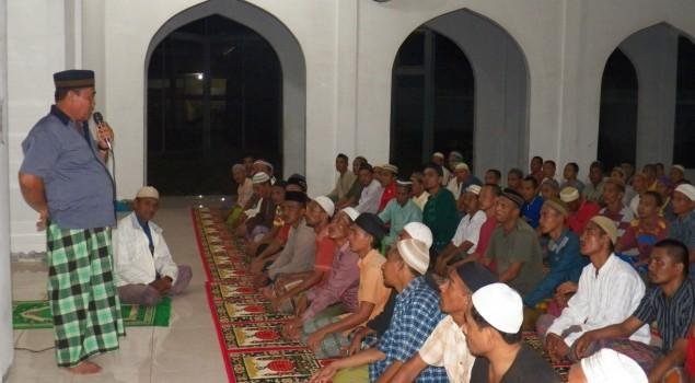 Tarawih Berjamaah, Kalapas Narkotika Langsa Jadi Penceramah