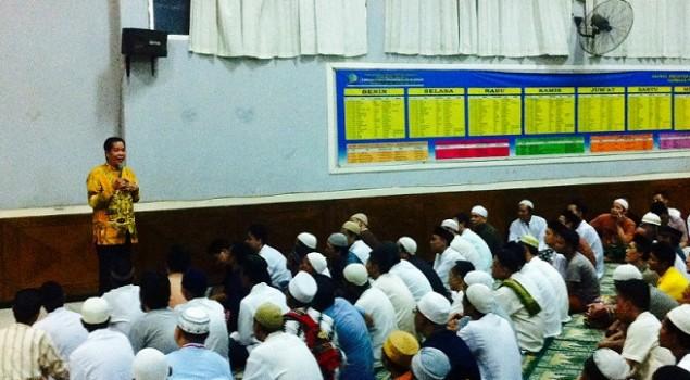 Anton Medan Isi Tausyiah di Lapas Bogor