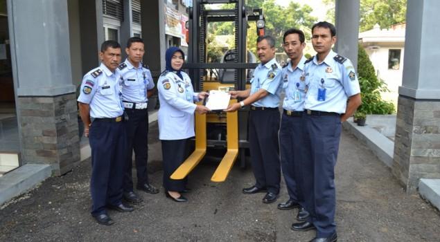 Rupbasan Bandung Dapat Satu Unit Forklift
