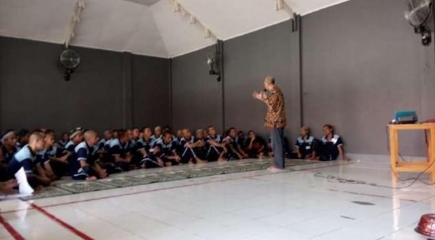 WBP Lapas Narkotika Sungguminasa Ikuti Seminar Motivasi