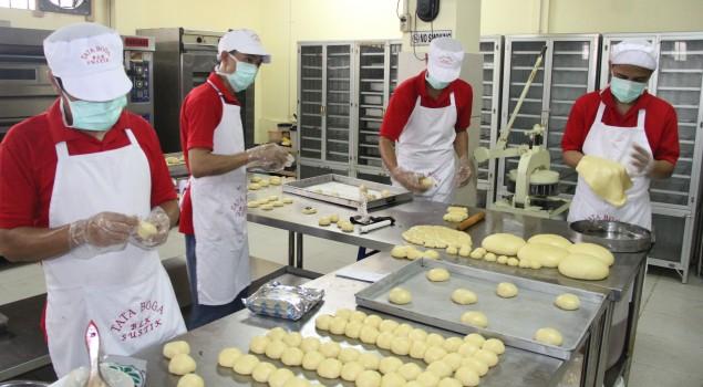 Mengintip Pabrik Roti Lapas Narkotika Jakarta