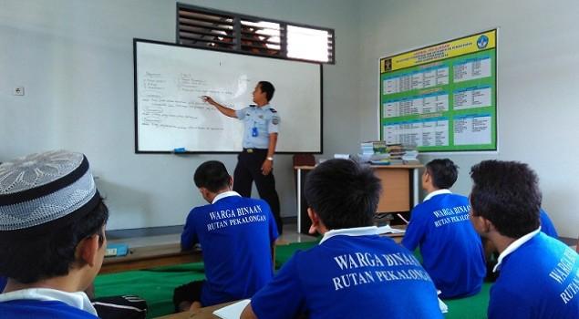 Jadi Pengajar, Petugas Rutan Pekalongan Beramal Ilmu