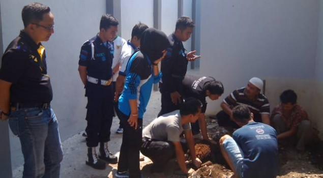 Karutan Saksikan Penyembelihan Kurban di Rutan Garut