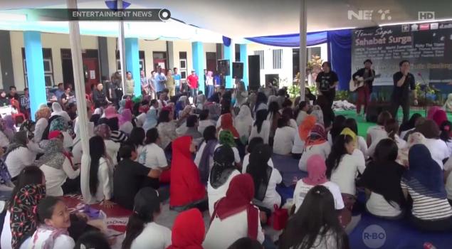 Selebriti Hibur Para Warga di Lapas Wanita Kelas II A Bandung