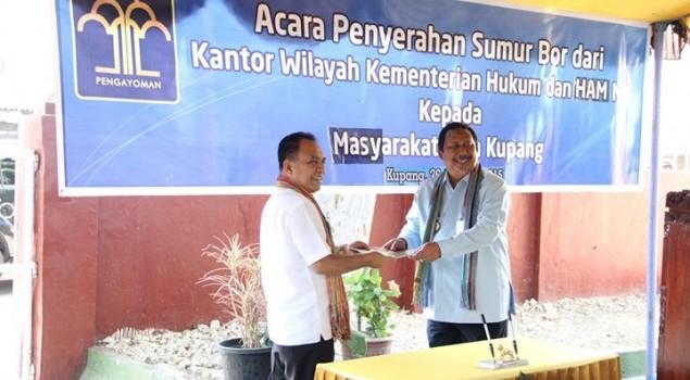 Gubernur Frans Puji Kepedulian Kanwil NTT Sumbang Sumur Bor