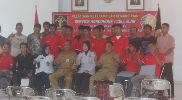 30 Klien Bapas Bojonegoro Dapat Pelatihan Servis HP