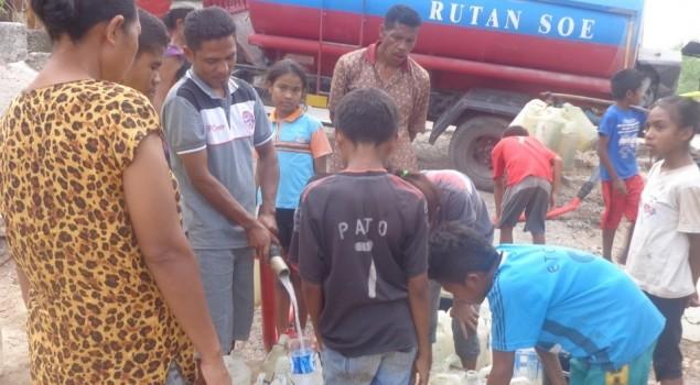 Rutan SoE Sumbang Air Bersih