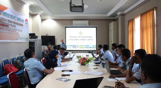 Operator RKA-KL se-Maluku Dibekali Materi Pelaksanaan Anggaran 2016