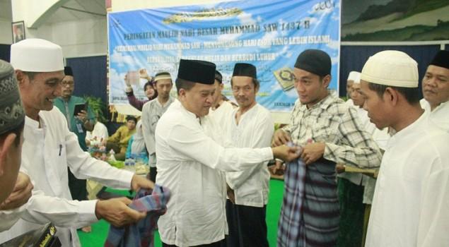 Launching Gerakan Ayo Shalat, Lapas Semarang Bagikan Sarung