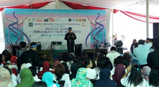 Fashion Show & Galeri Lukisan WBP Warnai Hari Ibu di Lapas Wanita Bandung