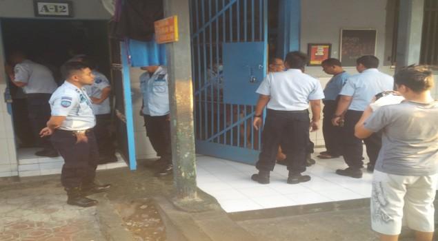 Razia WBP, Petugas Lapas Sidoarjo Sisir Seluruh Kamar Hunian