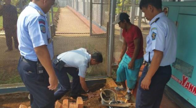 Kalapas Warungkiara Letakkan Batu Pertama Perluasan Masjid Assa'adatuddaroen