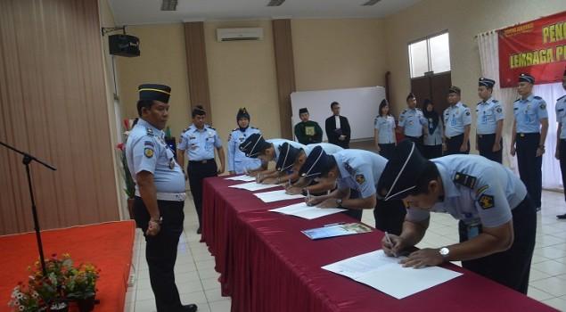 11 Petugas Lapas Narkotika Jakarta Resmi Berstatus PNS