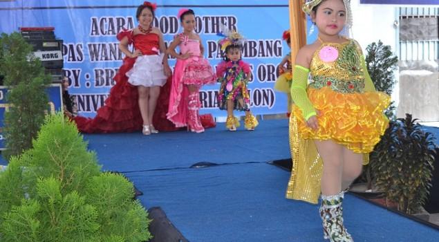 Peragawati Cilik Meriahkan Peringatan Setahun Berdirinya Salon B'Rias