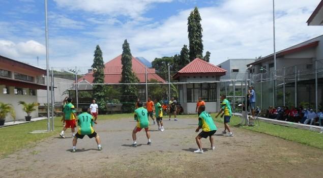 Petugas Rutan Wates Olahraga Bersama Petugas LPN Yogya