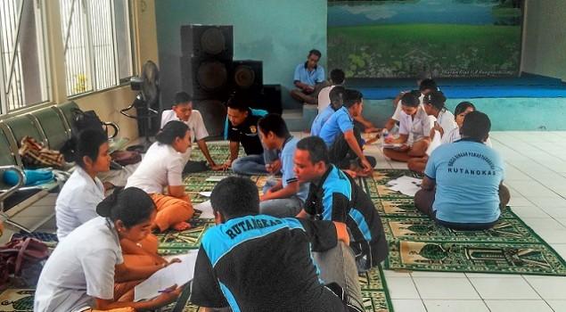 Mahasiswa Akper Yatna Yuana Puji Pembinaan WBP Rutan Rangkasbitung