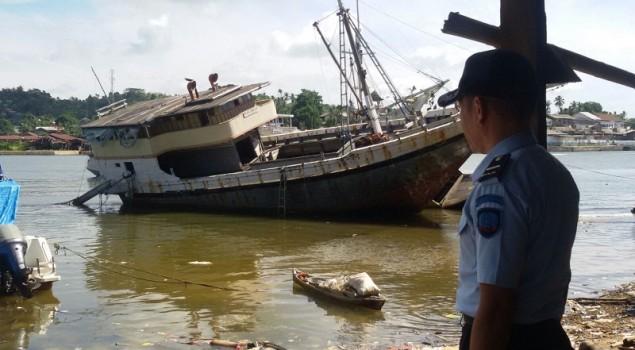 Dititip di Dit. Pol. Air, Dua Kapal Rutin Dikontrol Petugas Rupbasan Kendari