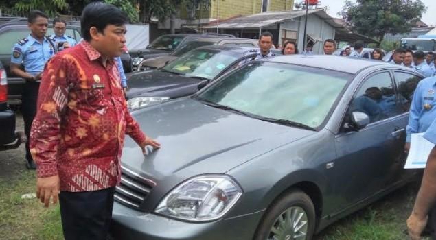 Miris! Mobil Akil Mochtar dkk Bernilai Miliyaran Teronggok Bak Rongsokan