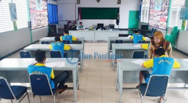 Enam Pelajar Ikuti Ujian di LPKA Pontianak