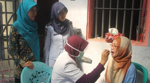 Lapas Sukabumi Periksakan Kesehatan Gigi WBP Wanita