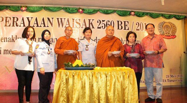 Meriahnya Peringatan Waisak di Lapas Wanita Tangerang