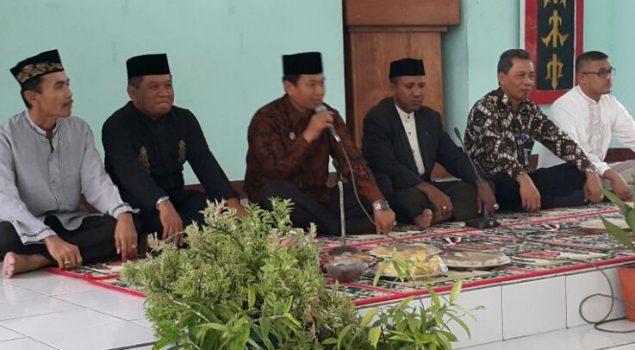 Kakanwil KemenkumHAM Maluku  Ajak WBP Lapas Ambon Pupuk Tali Silaturahmi