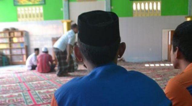 Riyan Jombang Ikut Belajar Mengaji di Lapas Cirebon