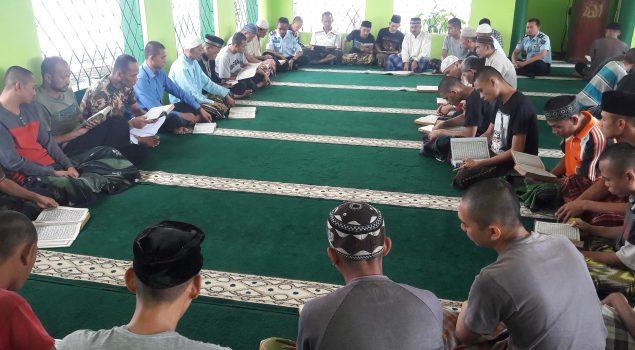 Ramadan, Petugas dan WBP Lapas Sumedang Tadarus Bersama