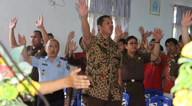 WBP Rutan Manado Beribadah Bersama Kejari & GBI Marian Plaza
