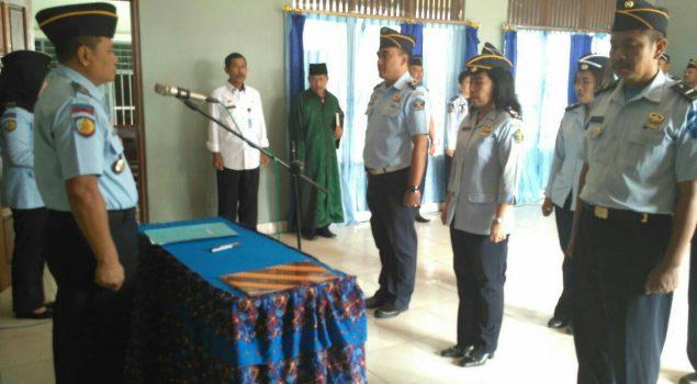 Kenaikan Pangkat Pegawai Dirangkai dengan Pelantikan Pejabat Rutan Balikpapan