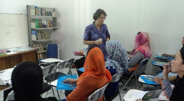 WBP Rutan Cirebon Belajar Bahasa Inggris dari Native Speaker