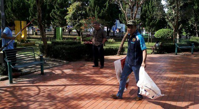WBP Asimilasi Bersihkan Kota Sukabumi