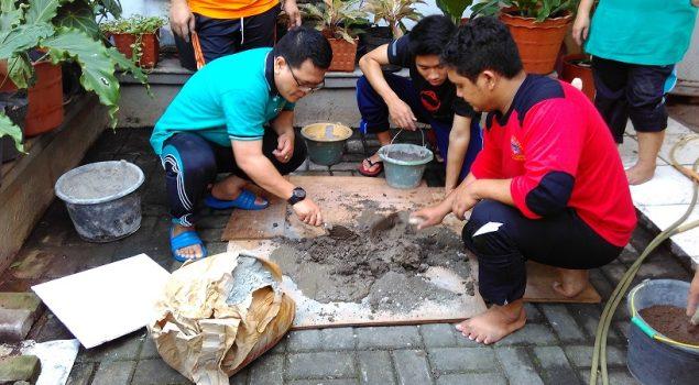 Sambut HUT RI, Pegawai Rupbasan Jaktim Bersih-Bersih Kantor