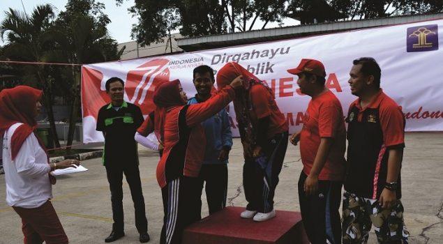 Kepala Rupbasan Bandung Serahkan Hadiah Pemenang Pekan Olahraga