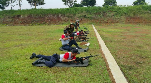 Lapas Majalengka Latihan Menembak Bersama Satuan Elit TNI AD