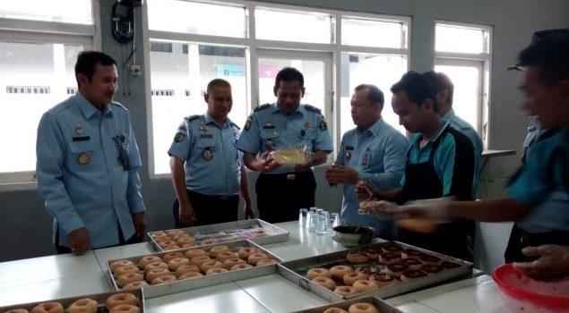 Direktur Watkes Ditjen PAS: Roti Buatan Lapas Banjarmasin Enak dan Higenis