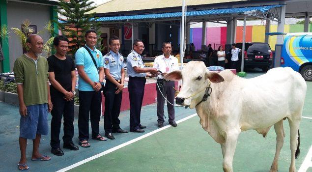 Rutan Manado Dapat Bantuan Satu Sapi Qurban
