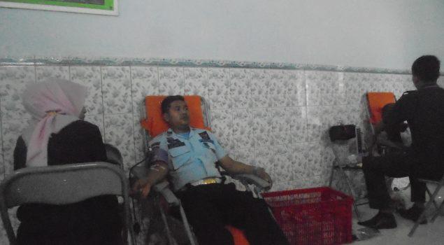 Peringgati HDKD 2016, Lapas Madiun Gelar Kegiatan Donor Darah