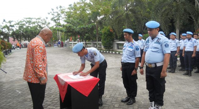 Disaksikan Pengunjung, Jajaran Rutan Pekanbaru Deklarasikan Anti Pungli